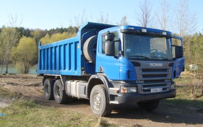 Scania_tipper_lorry_in_Russia.jpg